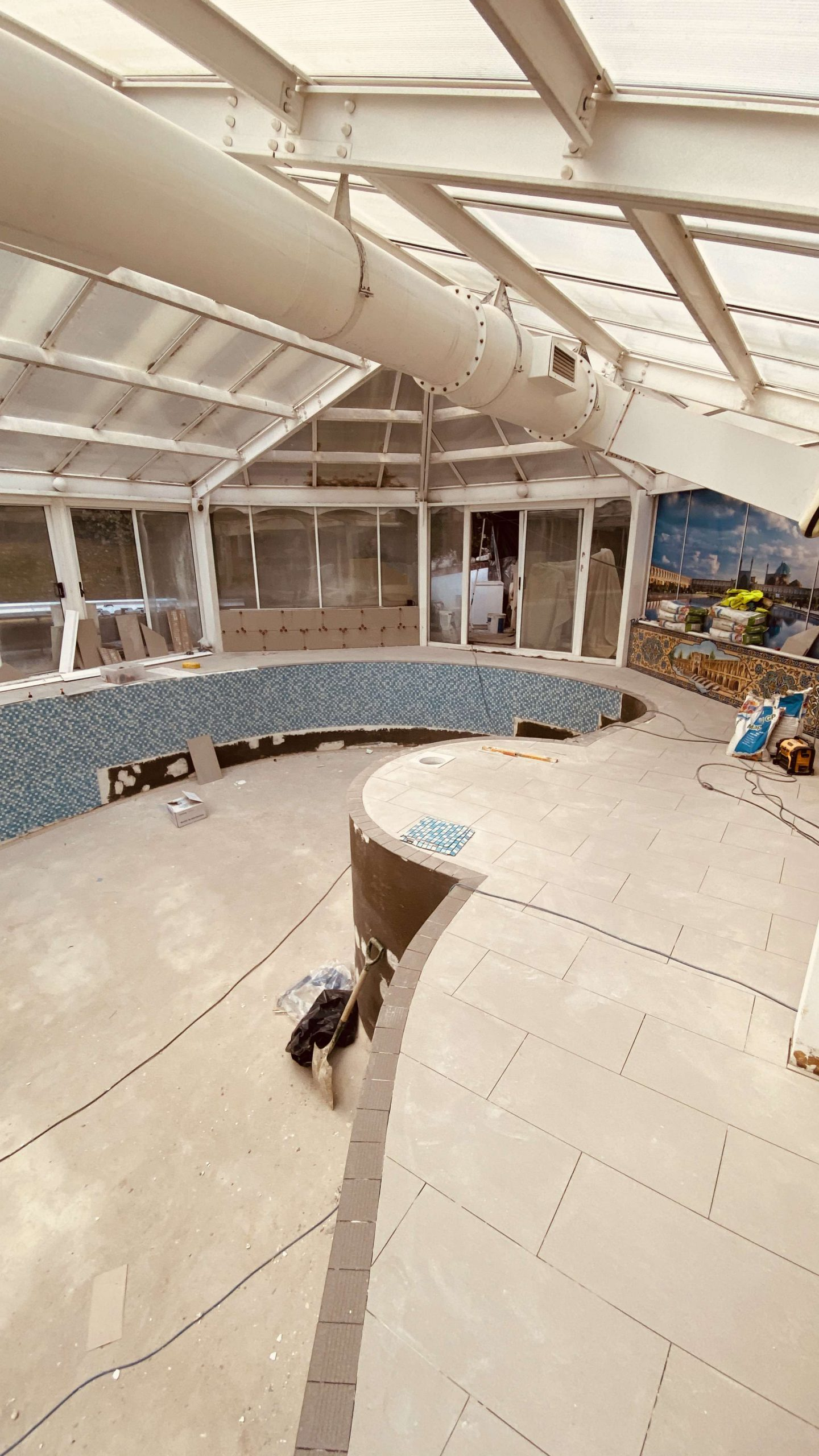 swimming-pool-contractor-London